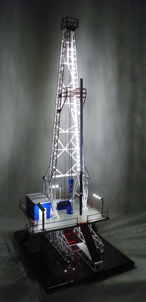 Custom Pewter Casting Jack Knife Oil Field Drilling Rig